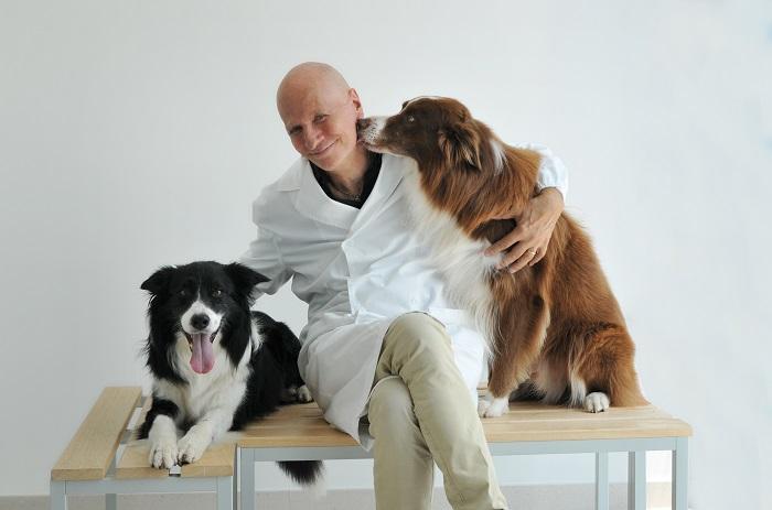 dr Canello poświęcił pracę psom i kotom